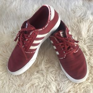 Adidas Seeley Maroon Burgundy Sneakers Size 7 Mens